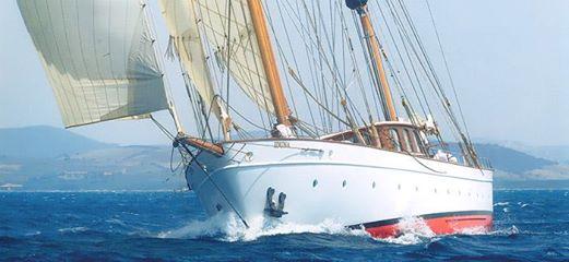 SY IDUNIA boat